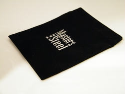 Velvet giftbag, black approx. 16 x 20 cm closed by velcro