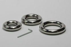 Round Splitable Ball stretcher, 15 mm thick.